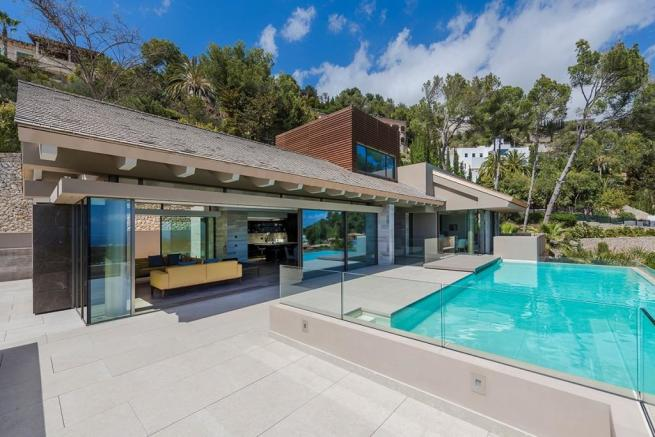 Exterior and Pool (2