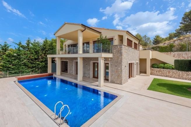 Exterior and Pool (1