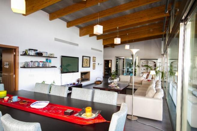 Open living-dining a