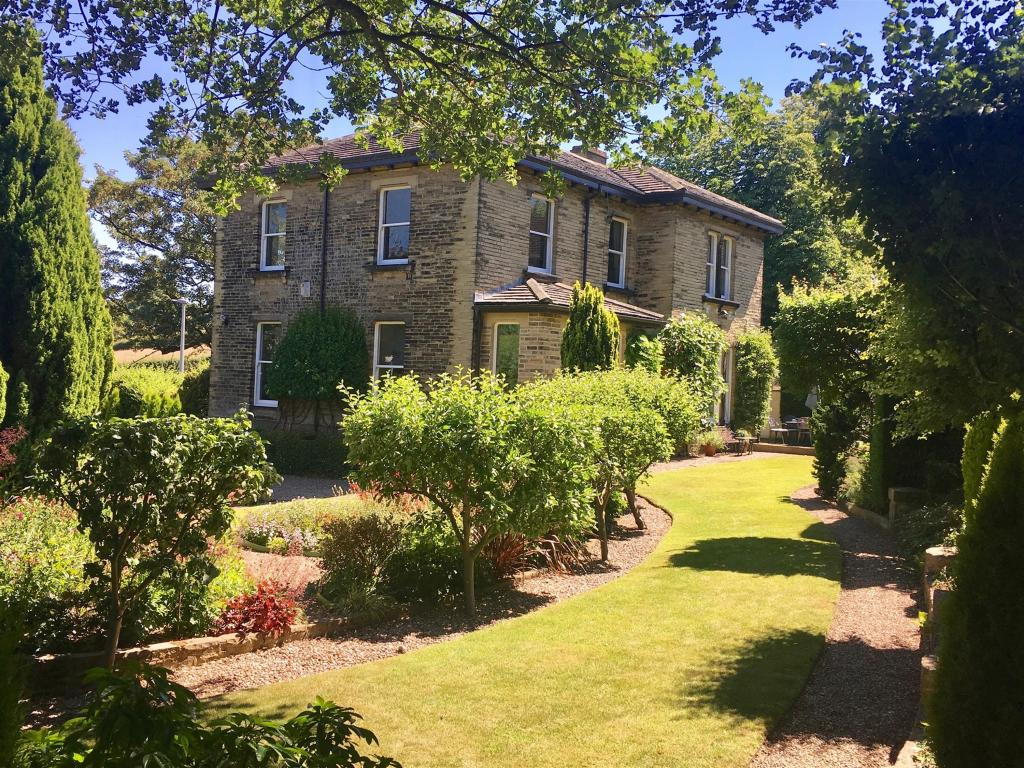 5 bedroom detached house for sale - Hopton Lane, Upper Hopton, Mirfield, WF14 8ER