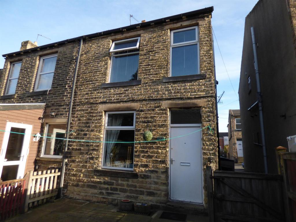 2 bedroom terraced house for sale - South Street, Lower Hopton, WF14 8PL