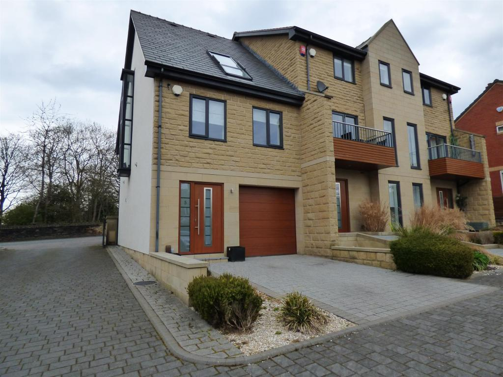 3 bedroom mews house for sale - Radley Court, Mirfield, WF14 9FD