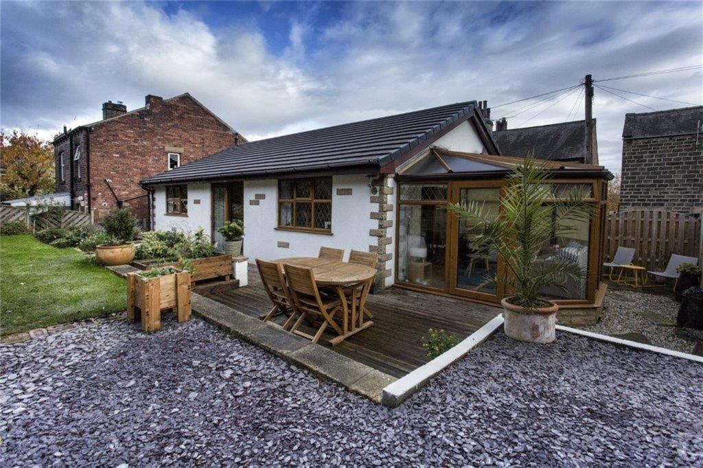 2 bedroom detached house for sale - Cross Bank Street, Hopton, WF14 8JY