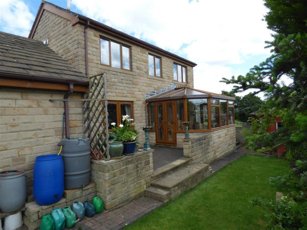 4 bedroom detached house for sale - Crowther Road, Mirfield, WF14 9RE