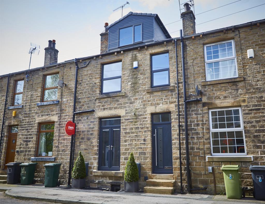 3 bedroom terraced house for sale - Co-Operative Street, Mirfield, WF14 8NU