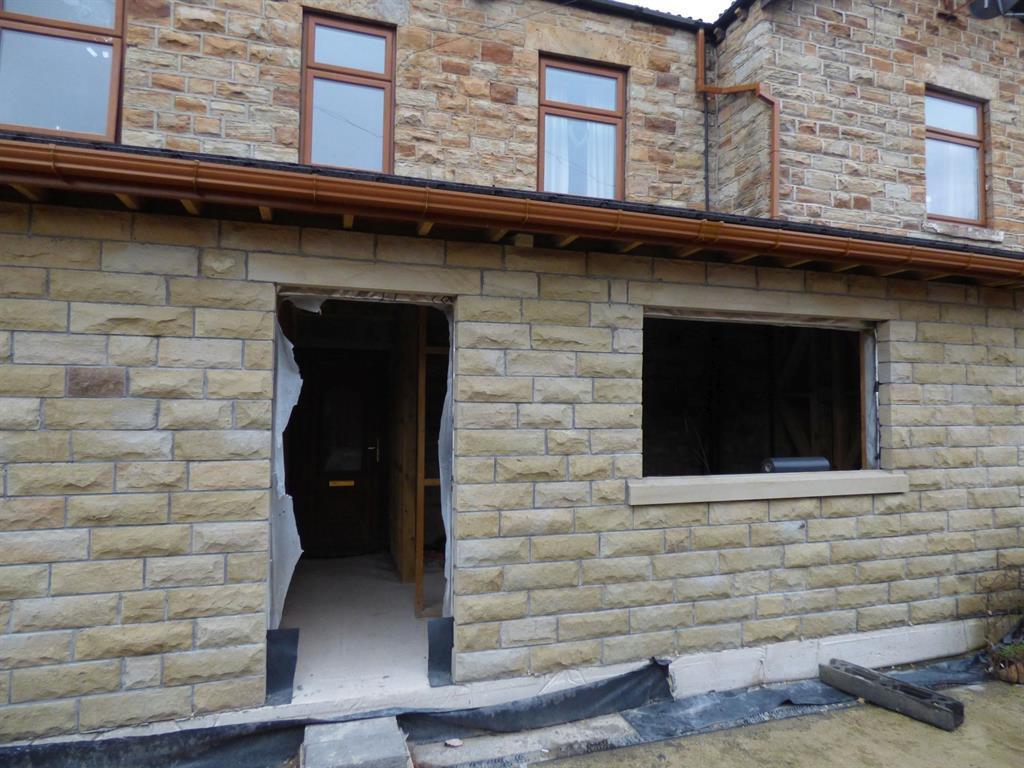 2 bedroom terraced house to rent - Bradford Road, Batley, WF