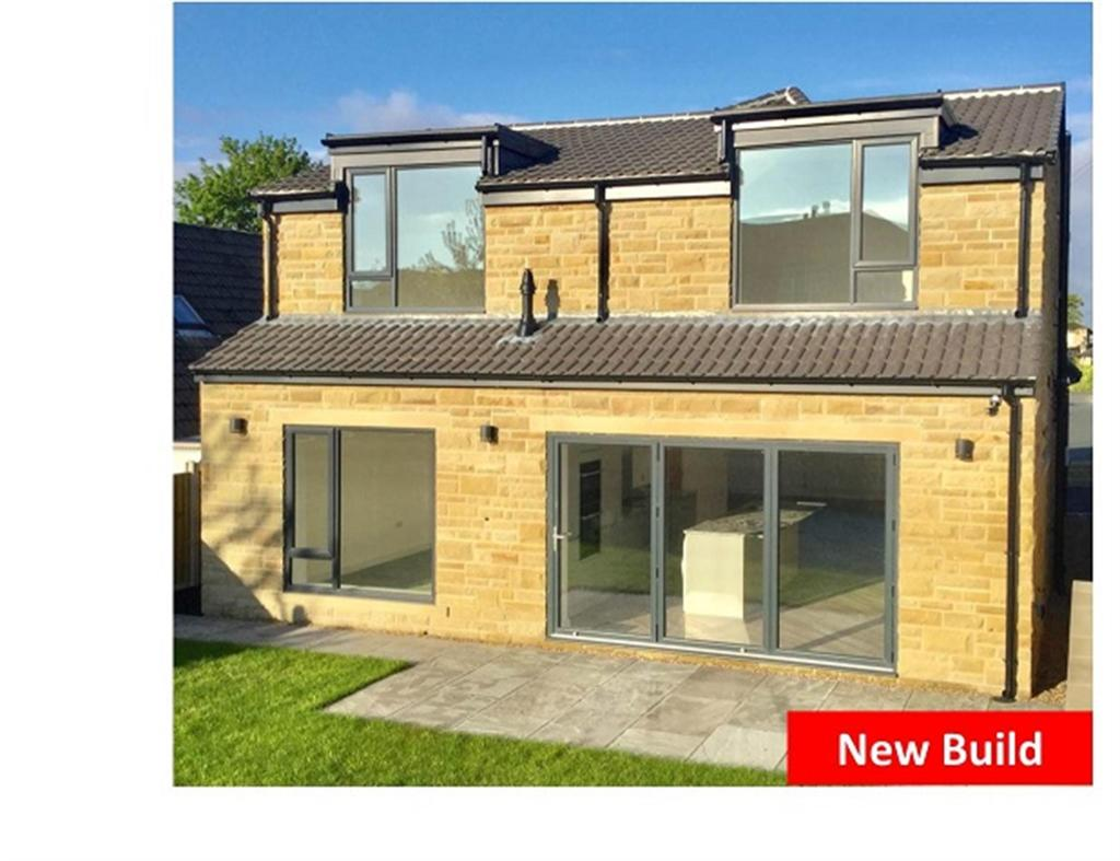 4 bedroom detached house for sale - West Royd Park, Mirfield, WF14 9NA