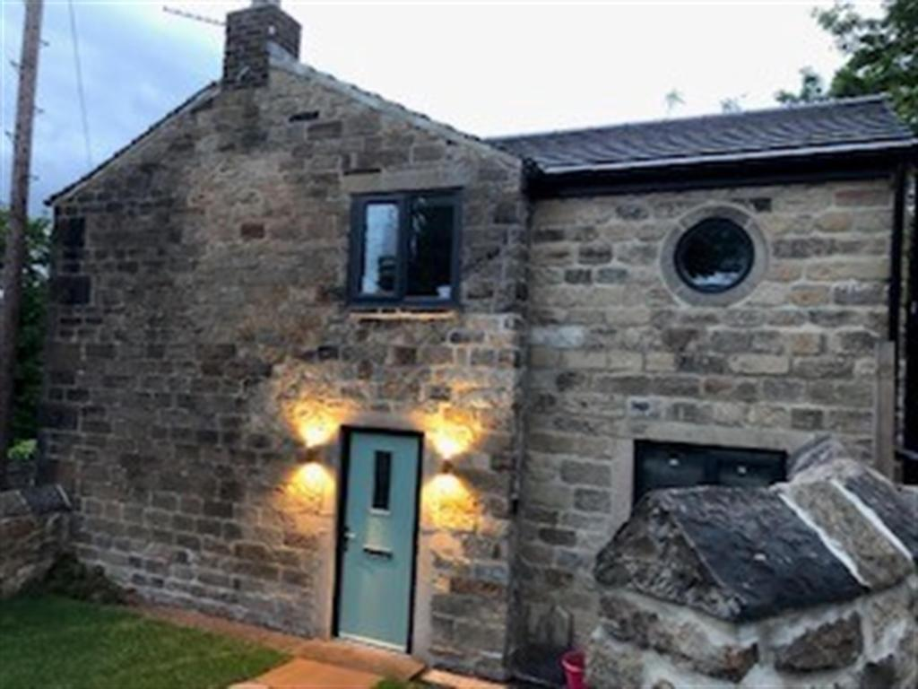 3 bedroom cottage for sale - Sunflower Cottage, Knowles Hill Road, WF13 4QU