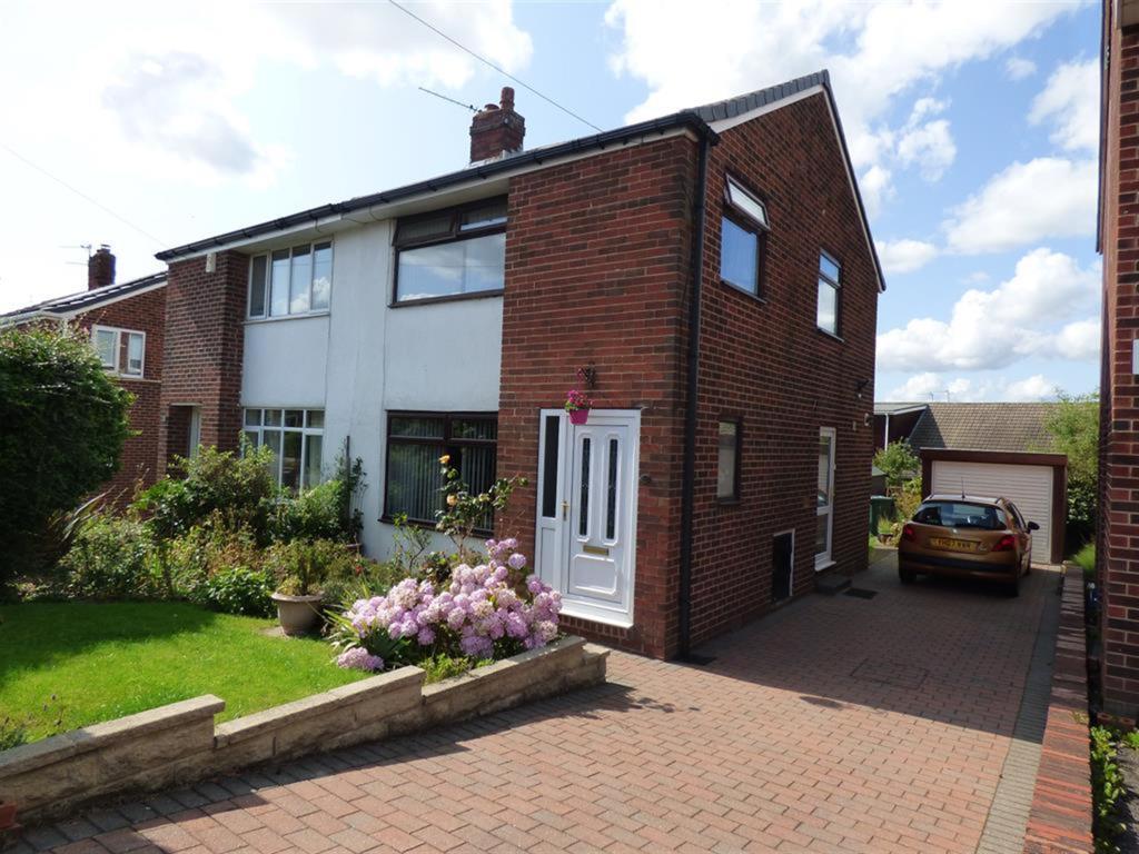3 bedroom semi-detached house for sale - Burnside Close, Batley, WF17 0NS