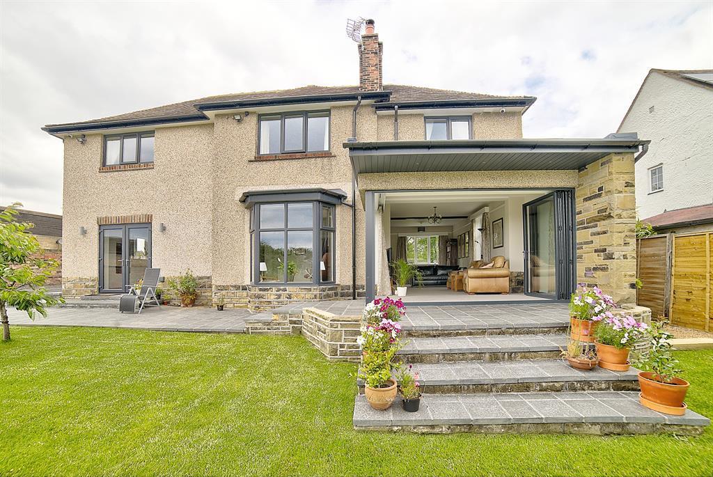 4 bedroom detached house for sale - Dundern, 77 Leeds Road, WF15 6JA