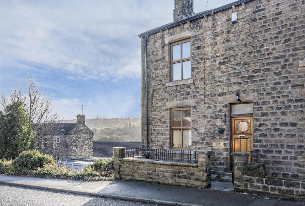 3 bedroom end of terrace house for sale - Stocks Bank Road, Mirfield, WF14 9QB