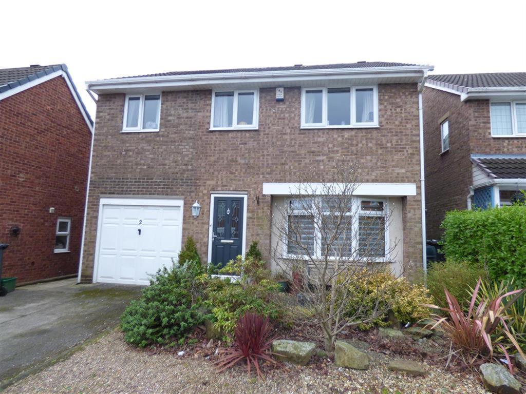 4 bedroom detached house for sale - Fernhurst Close, Mirfield, WF14 9TG