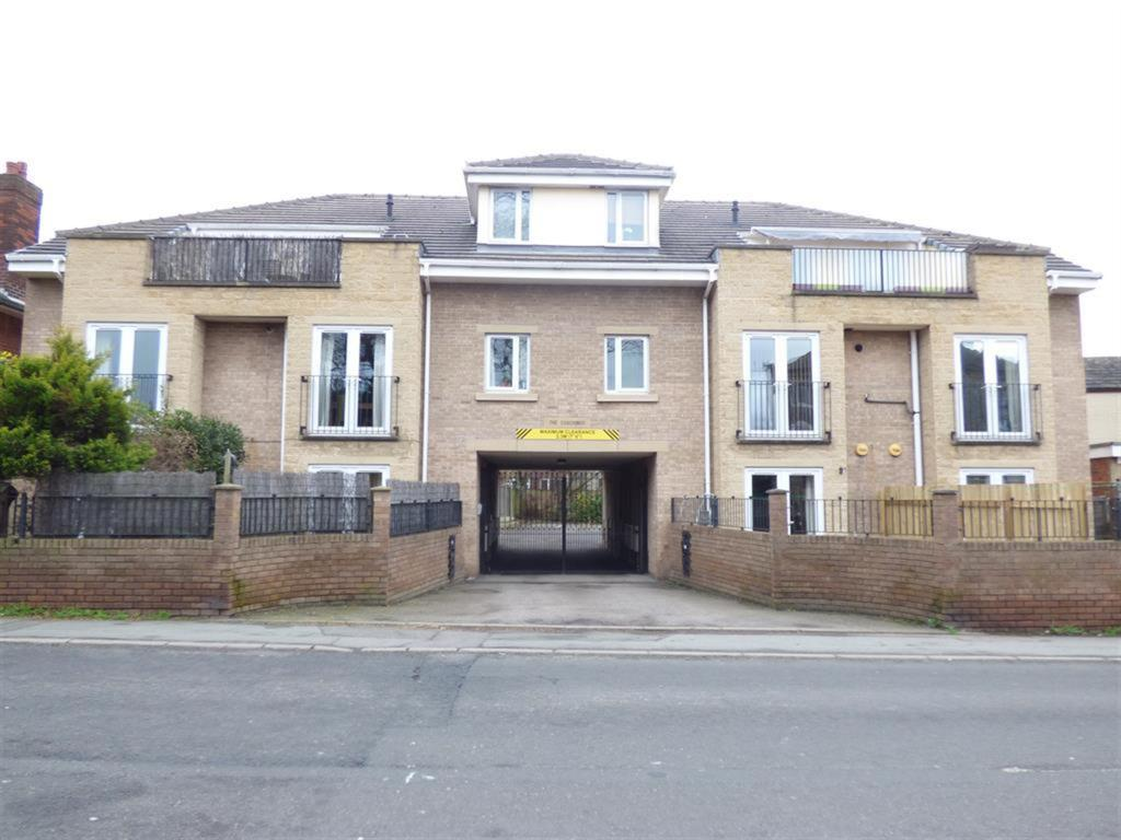 2 bedroom flat for sale - The Coaching, Mirfield, WF14 0BL