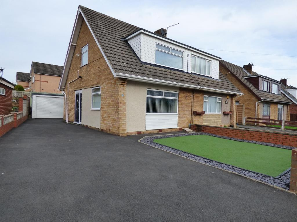 3 bedroom semi-detached house for sale - Uplands Drive, Mirfield, WF14 9LZ