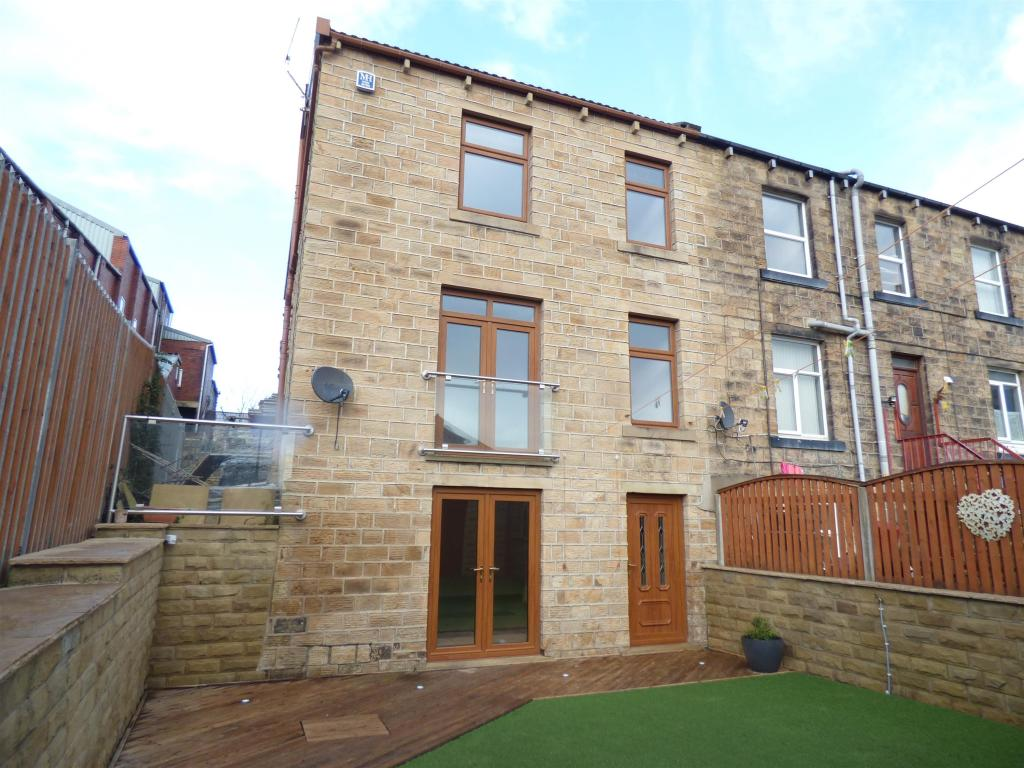 3 bedroom end of terrace house for sale - Trinity Street, Mirfield, WF14 8AD