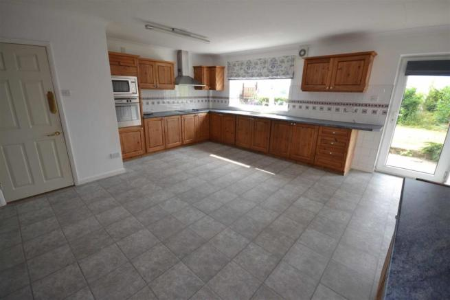 Main Road - kitchen.jpg