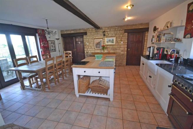 Aunby - Breakfast kitchen ii.jpg