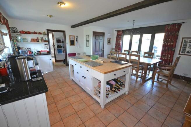 Aunby - Breakfast kitchen.jpg