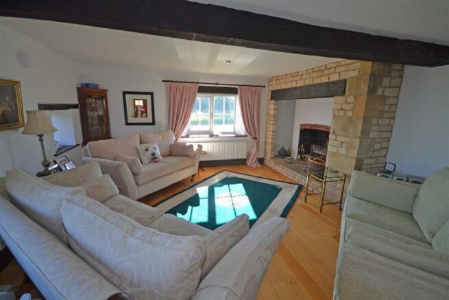 Aunby - Sitting Room.jpg