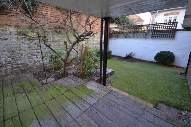 Tinwell - Garden.jpg