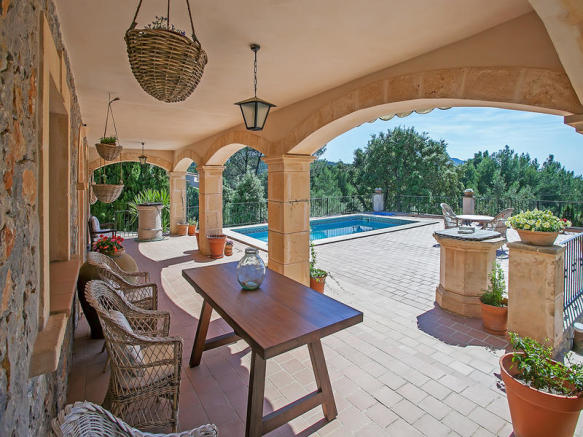 Pool terrace with great views