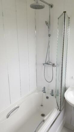 bathroomn3.jpg