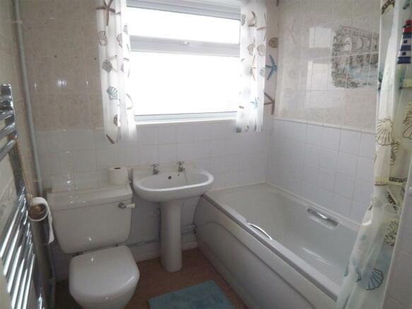 Ingoldsby Rd Bathroom.JPG