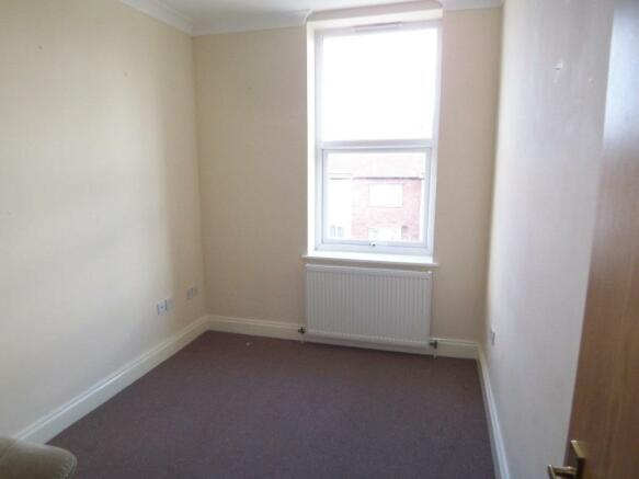 Surrey Bedroom 1.jpg