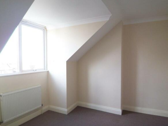 Surrey Bedroom 2.jpg