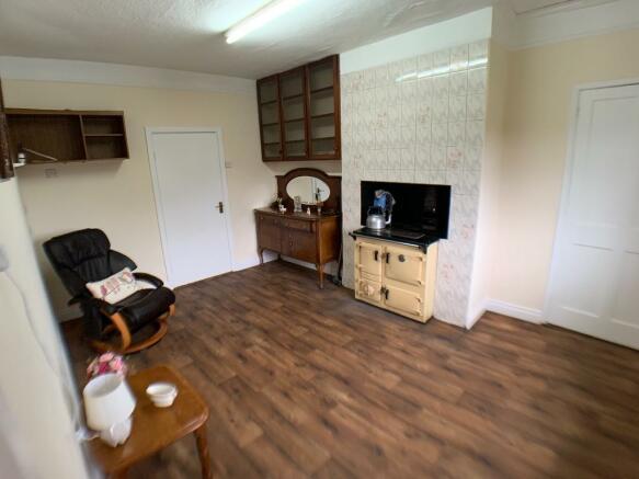 Sitting Room/Bedroom