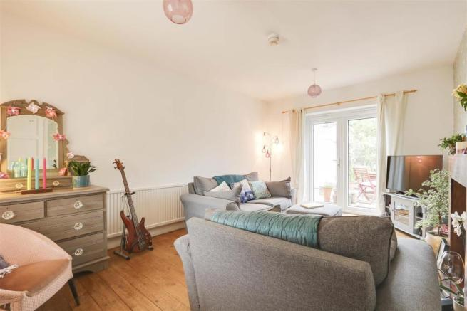3 bedroom semi-detached house for sale in Ravenswood Road