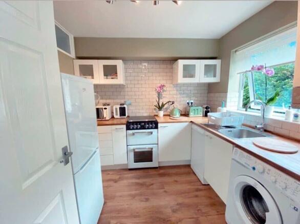 2 bedroom flat for sale in London Colney, St. Albans, AL2