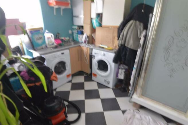 Utility Room/Shower Room
