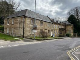 Photo of Hendford Manor, 33 Hendford, Yeovil BA20 1UN