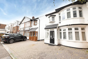Photo of Normanshire Drive, Chingford E4