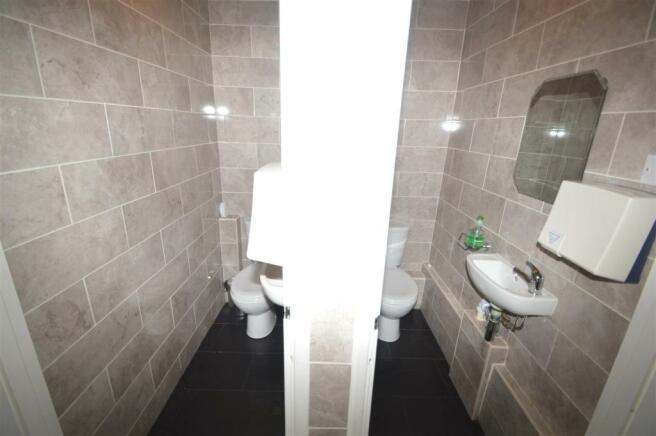 WC x 2