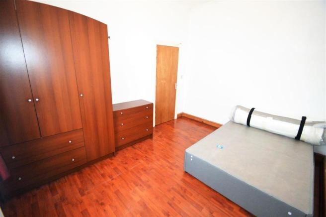 DOUBLE BEDROOM 1.JPG