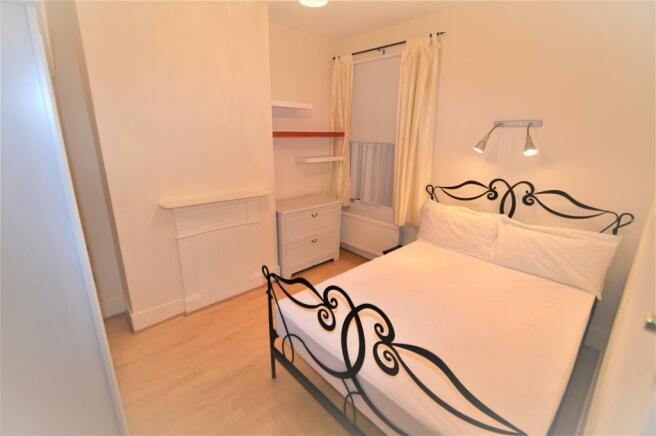 2 X DOUBLE BEDROOM