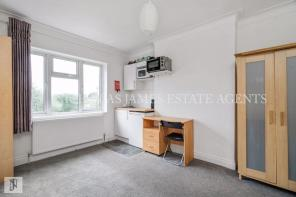 Photo of Lichfield Grove, Finchley Central, London N3 BILLS INCLUDED