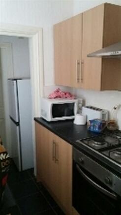 10a Steamer Street - kitchen 2.jpg
