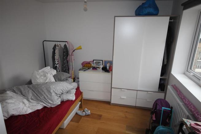 Flat 1 Bedroom.JPG