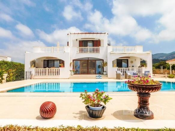3 bedrooms luxury villa + 10m x 5m pool  + fully furnished + amazing sea views, Title deed ready to transfer Image 9999