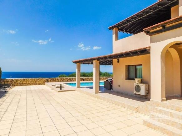 Stunning 3 bedroom villa + sea front location + 10m x 5m swimming pool + white goods + fully furnished,  Title deed in the owner?s name, VAT paid Image 9999
