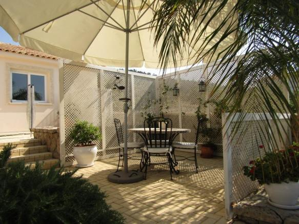 REDUCED Luxurious Bungalow with spectacular panoramic sea views  Image 9999