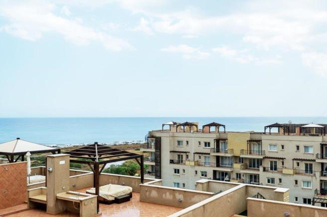 Ready 3 bedroom Penthouse with huge roof terrace and sea views Image 9999