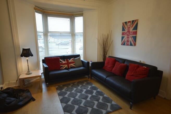 Living Area (1) (Mai