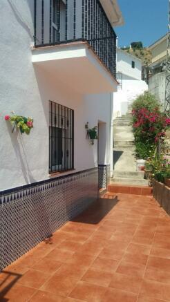 front terrace (b)