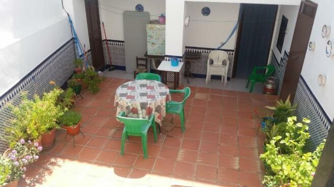 internal patio (c)