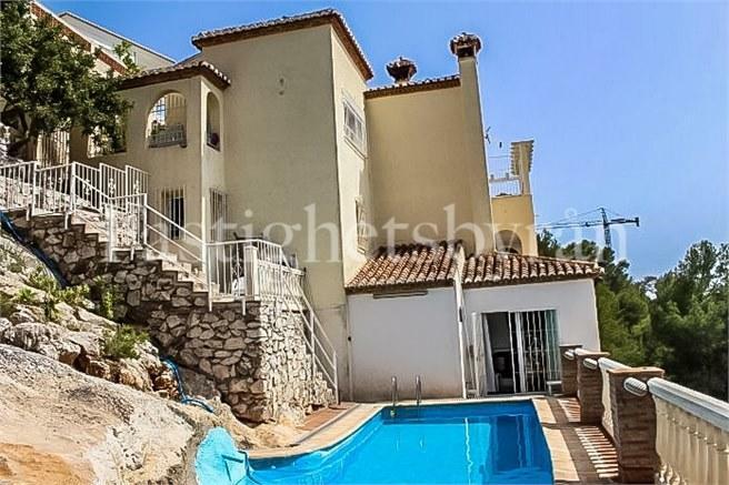 Villa och pool