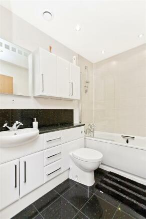 Image 10 bathroom.jpg